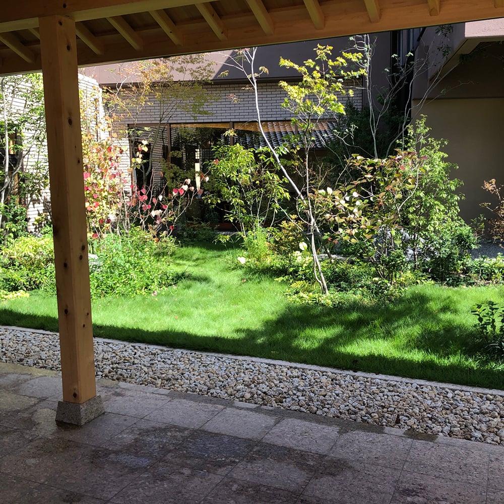 旅館 緑豊かな お庭づくり